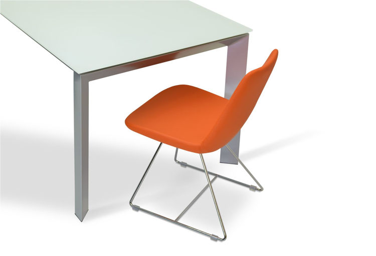 milano_dining_table _eiffel_wire _ppm_orange _ down