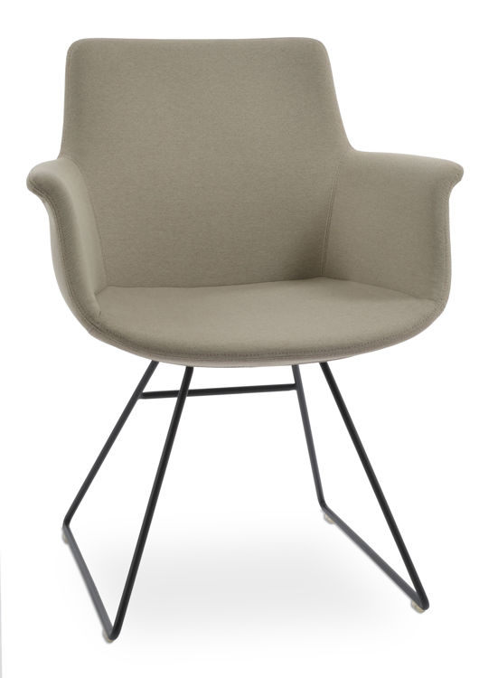bottega_wirekk_armchair_ _black_paint camira_era_beige _cse02_4_